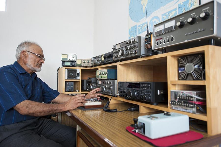 Darwen radio amateurs something is